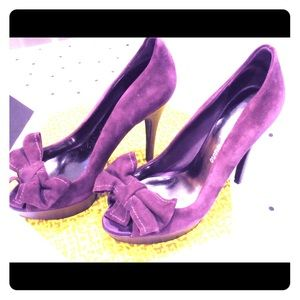 Guess purple suede heels